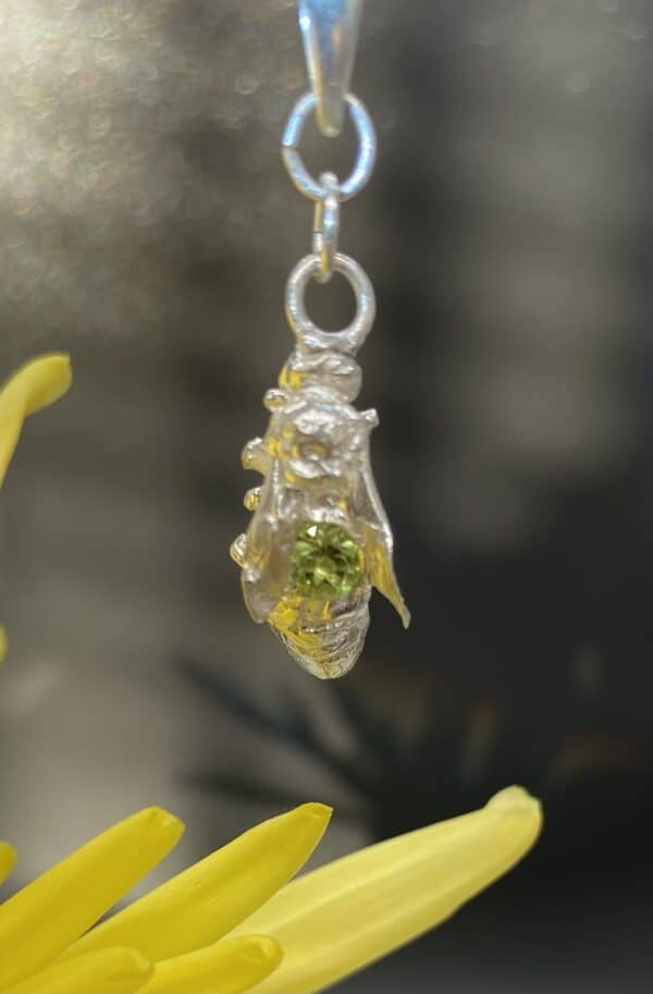 Victoria pendant with Peridot II